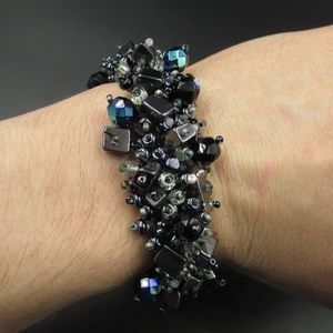 Jewelry - Vintage 7 Inch Odd Weird Different Beaded Bracelet
